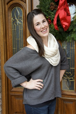 infinity scarf + oversized sweater // LLinaBC.com